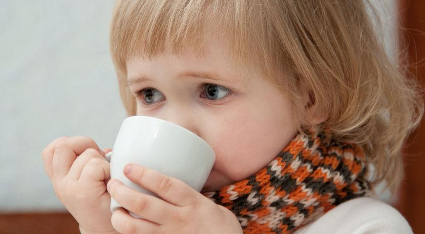 Во время заболевания ребенку необходимо обильное питье