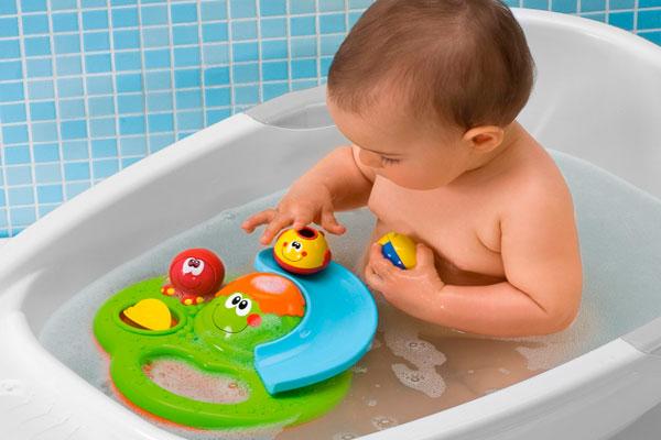 Игры при купании – хорошая возможность для развития малышей