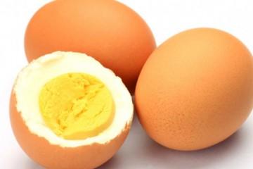 Куриное яйцо – один из самых распространенных продуктов, которые используются для введения в прикорм