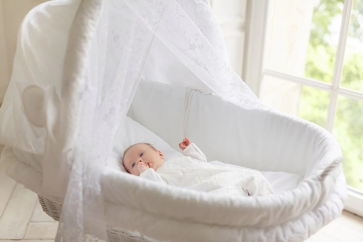 Детская колыбелька понадобится ребенку до достижения им полугодовалого возраста