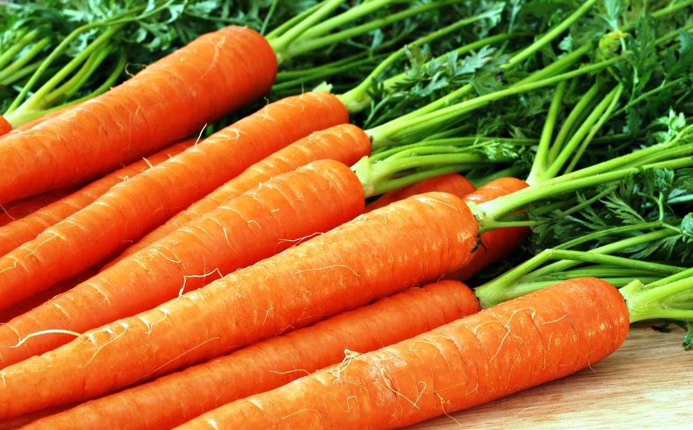 Морковь и другие продукты могут влиять на оттенок стула