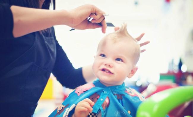 Нужно ли стричь ребенка налысо в год