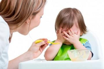 Малышу неприятен вид пищи