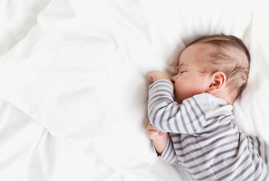 Во время сна ребенок должен двигаться, шевелить ручками или ножками