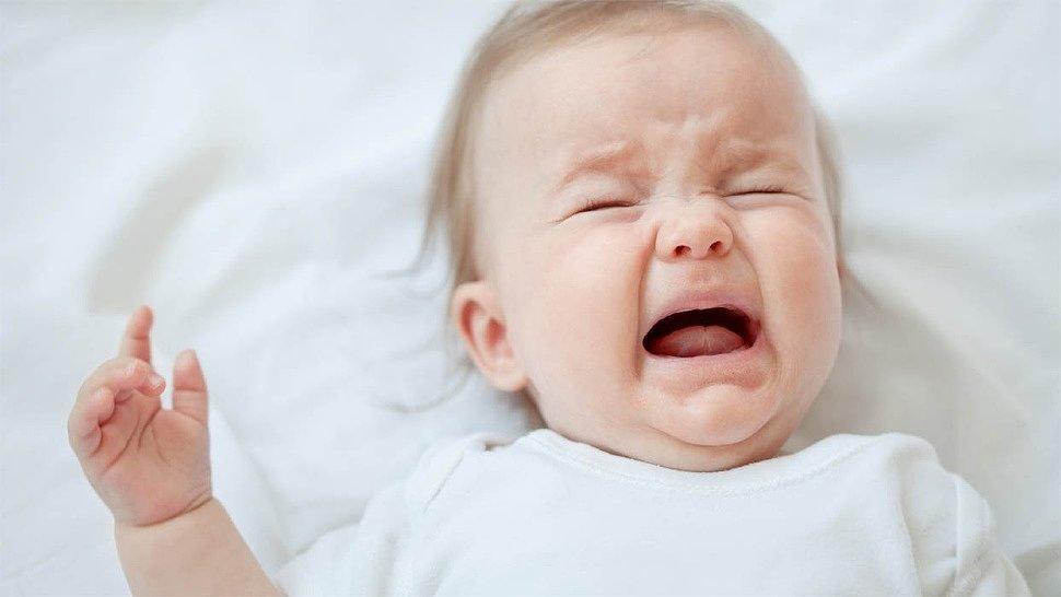 Малыш становится капризным, если у него проблемы с пищеварением