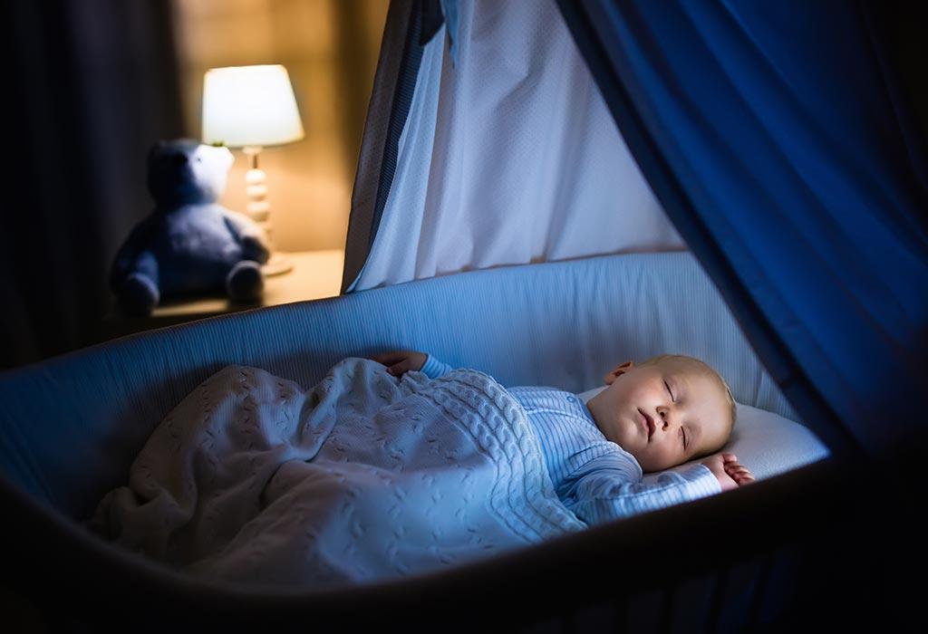 Ребенок спит ночью