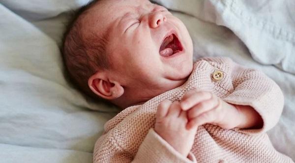 Малыш капризничает после ванны