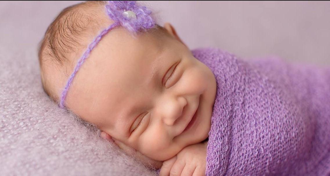 Младенец сладко спит