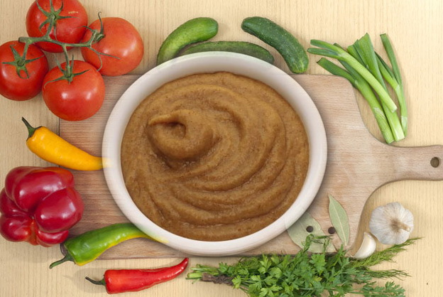Для улучшения вкуса печень можно смешивать с кашей или овощами