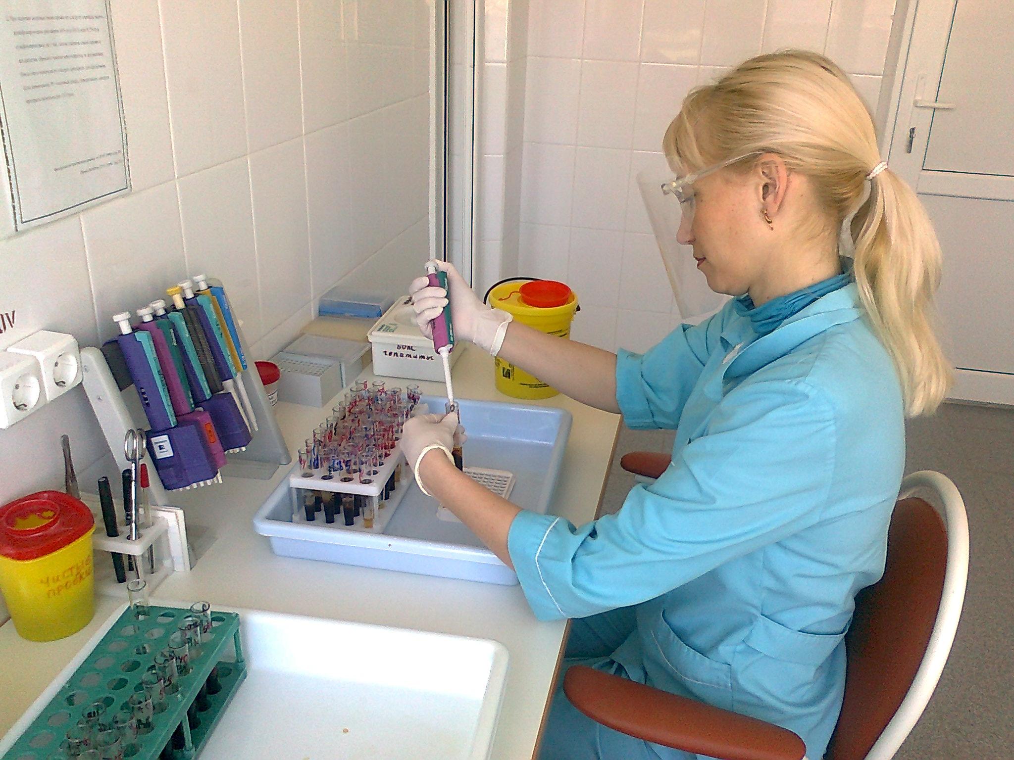 Сдавать кровь стоит в надежной клинике с хорошими специалистами
