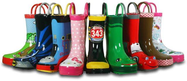 Резиновые сапоги – обязательная часть детского гардероба