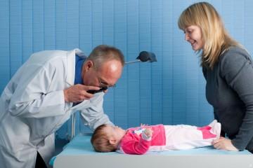 Заболевания сетчатки у детей могут иметь разную природу