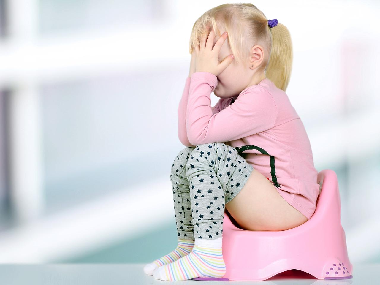 Постоянные позывы в туалет тревожат малышей