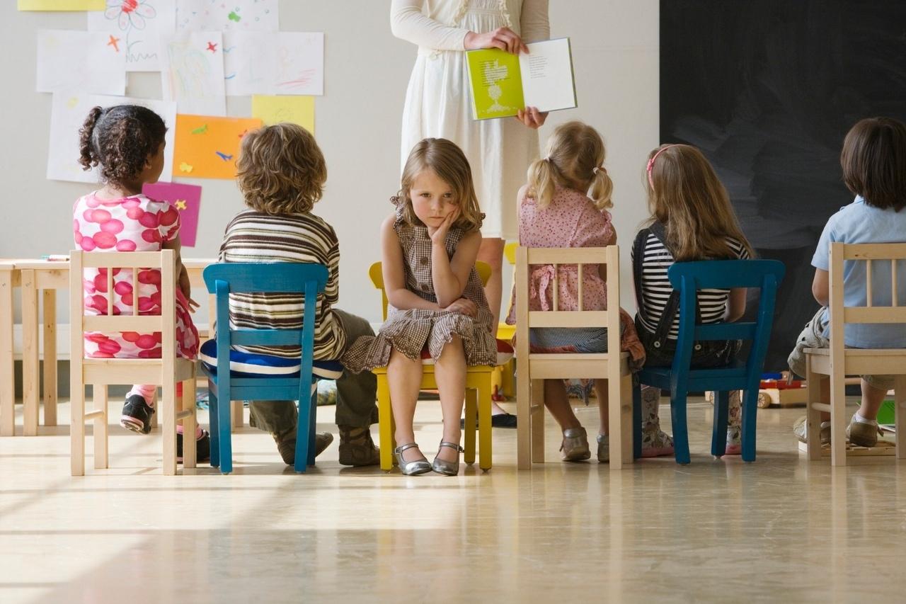 В процессе адаптации к детскому саду может возникнуть поллакиурия