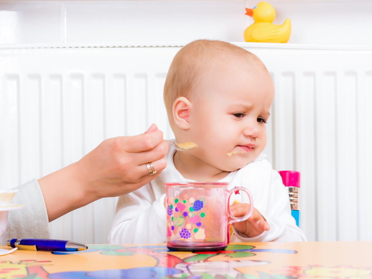 Малыш капризничает, отказывается от еды