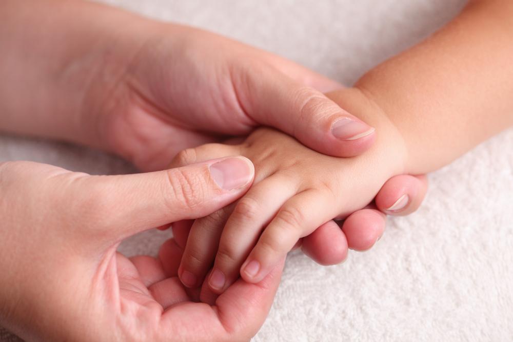 Массаж рук малышу