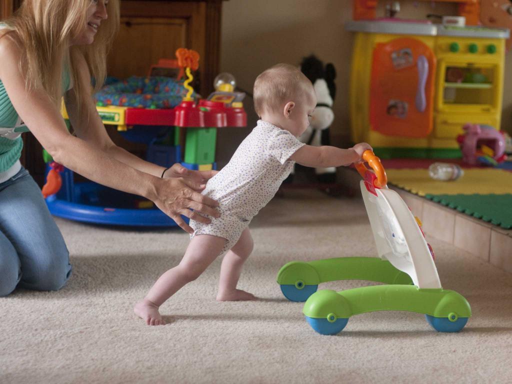 Ходьба с детской тележкой