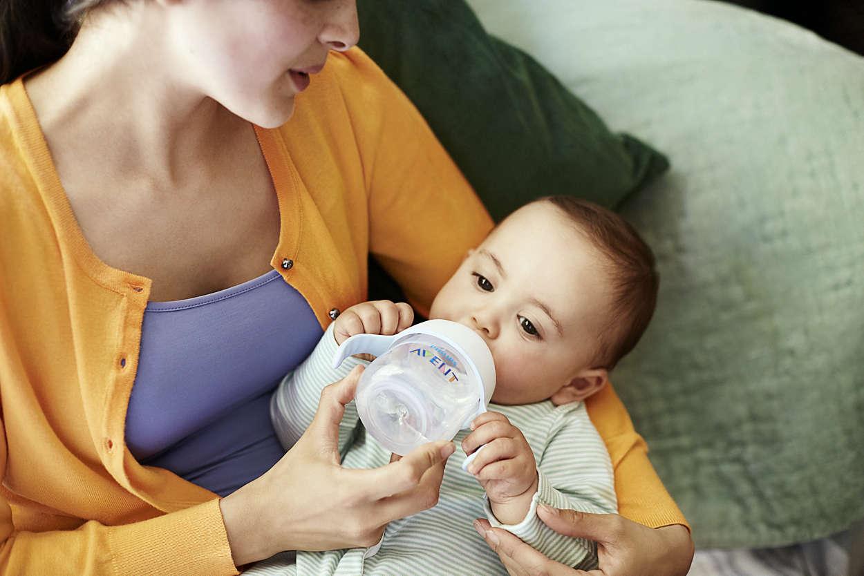Чтобы ребенок не срыгивал, кормить его нужно правильно