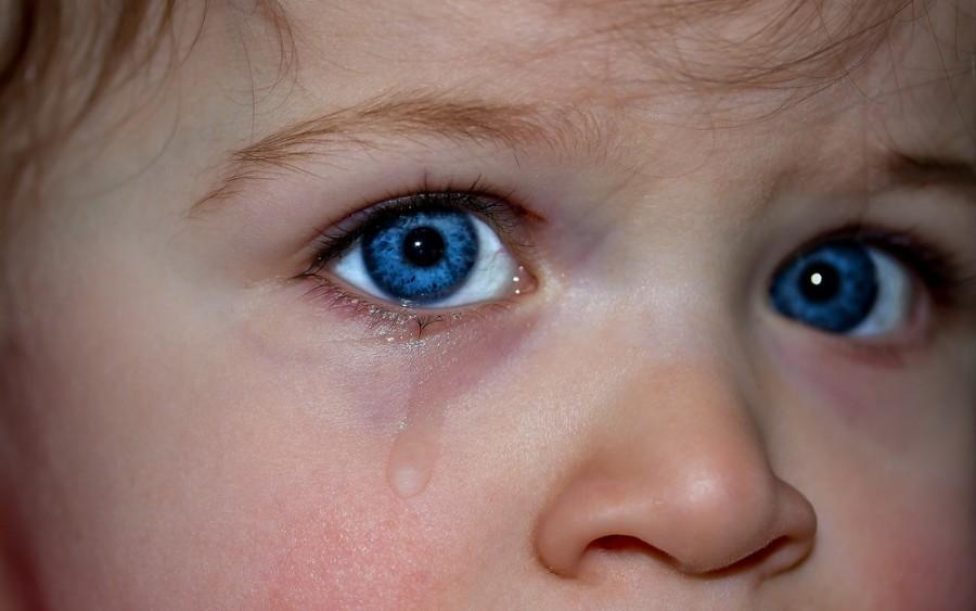 Синие круги у малыша