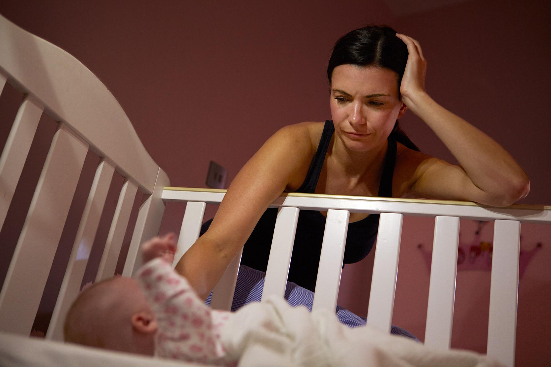 Плачет без мамы