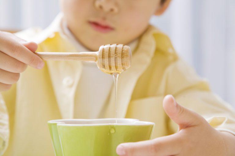 Малыш и мед