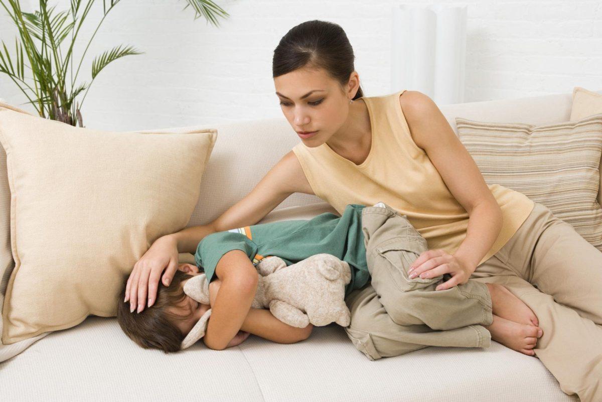 Причин, почему появляется боль у ребенка в левом боку, много