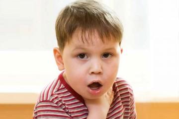 Важно, чтобы родители знали, какие действие следует предпринять, если их ребенок подавился