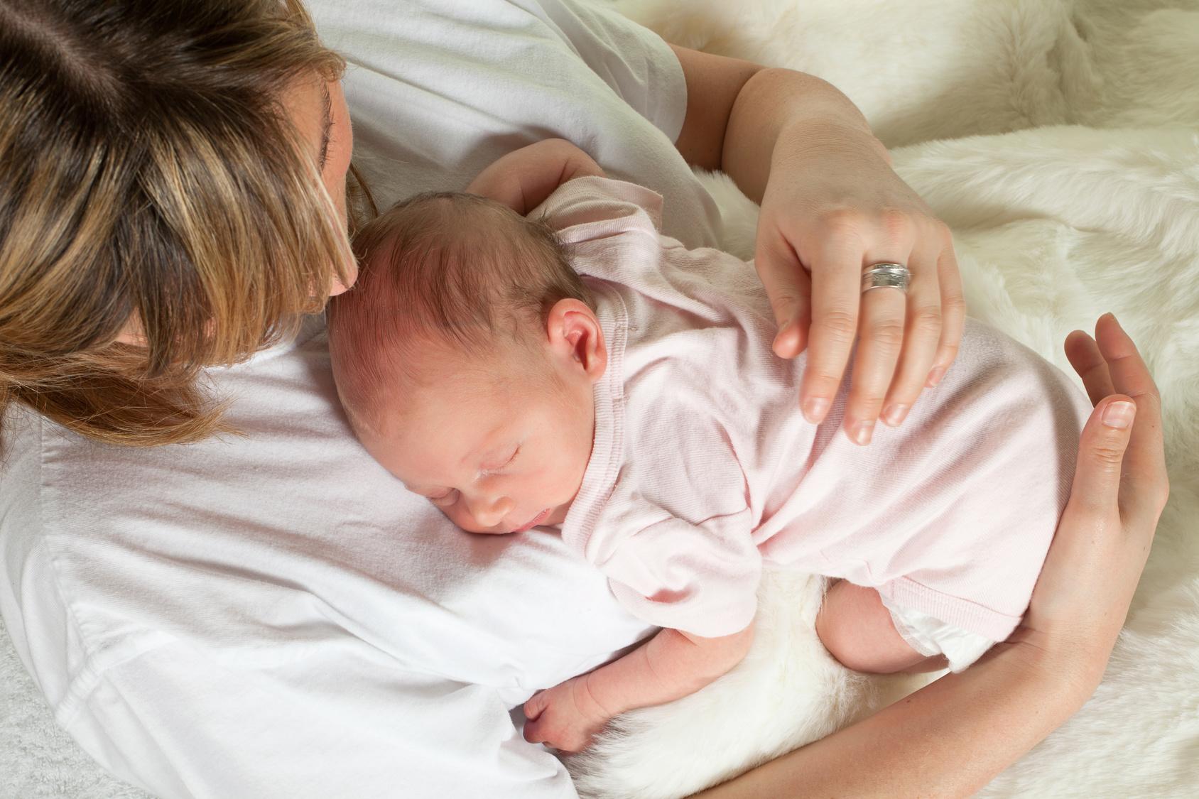 После кормления груднички обычно засыпают
