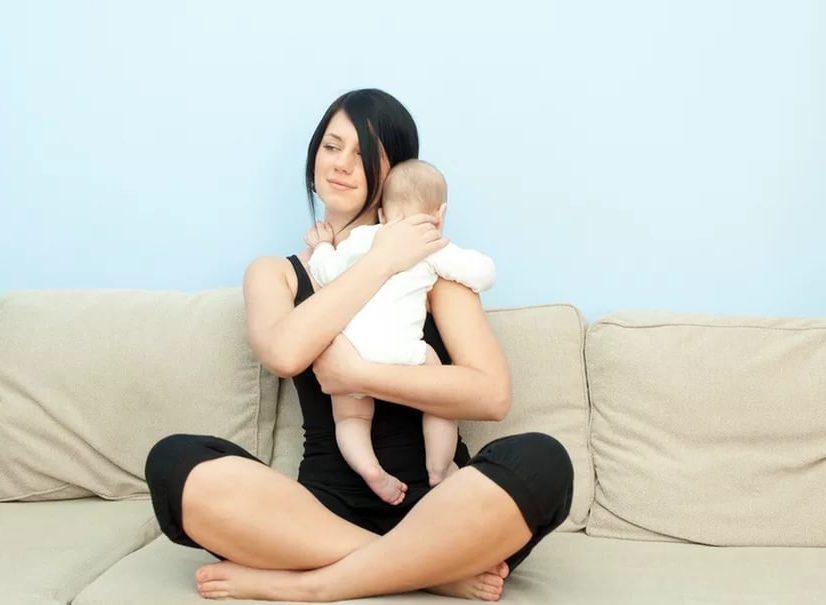 Правильное удержание ребенка столбиком после кормления