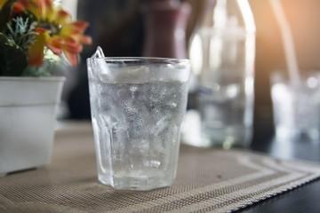 Холодную воду ребенок пить не станет