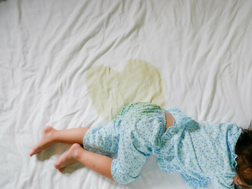 Ребенок описался ночью