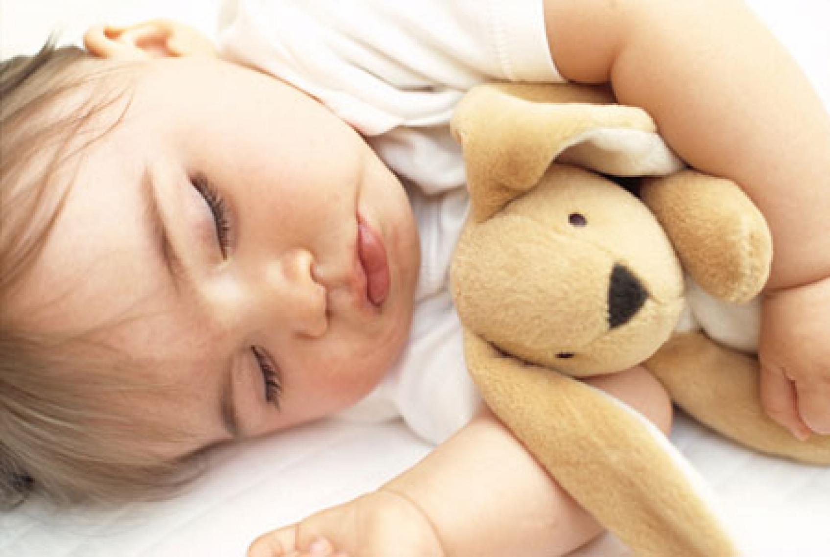 Справиться со страхами поможет друг в постели, например, мягкая игрушка