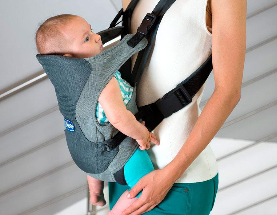 Малыш не прижимается к маме, а ножки расположены слишком низко