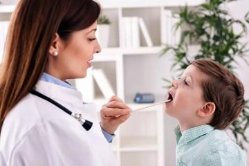 Главный признак ларингита – сильное покраснение горла