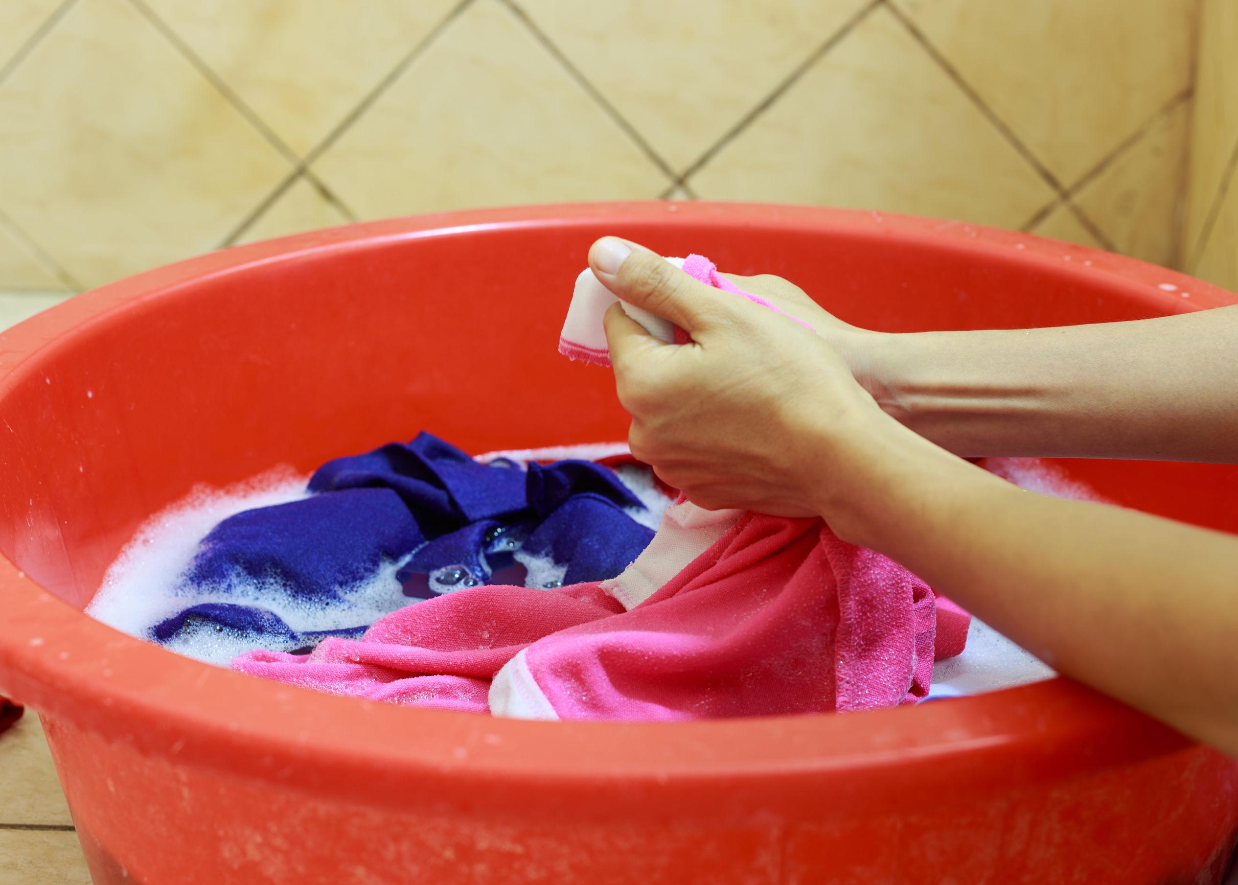 Ручная стирка детской одежды
