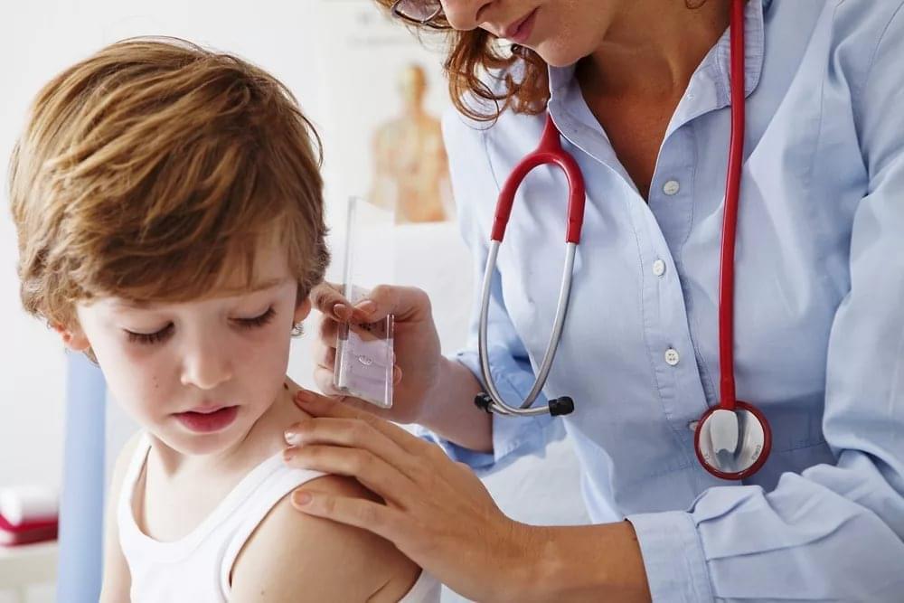 Аллергия сухая кожа тела у ребенка thumbnail