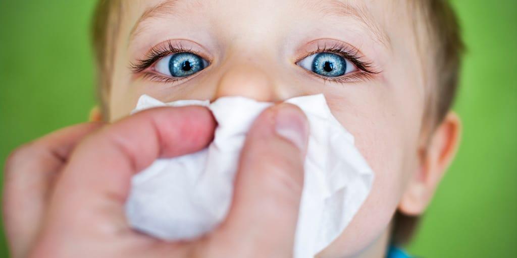 Уход за ребенком при травме носа