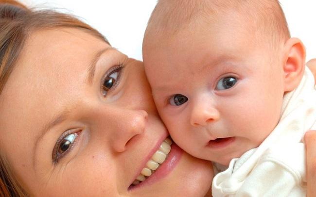 Родители волнуются, если форма головы новорожденного не соответствует нормативным показателям