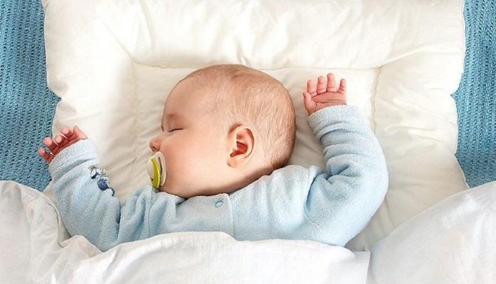 Сон имеет важные функции в сохранении и укреплении здоровья малыша