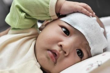Если малыш нездоров, затягивать с вызовом врача не стоит
