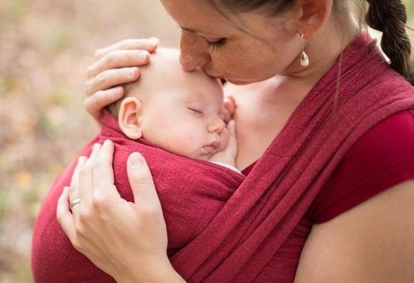 Новорожденный, чаще контактируя с мамой, быстрее приспосабливается к окружающей жизни