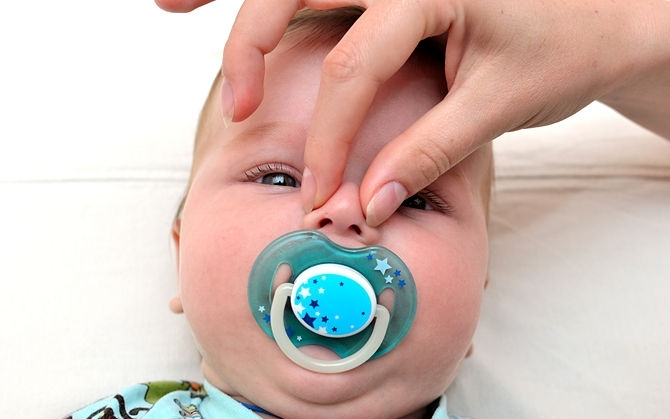 У малыша плохо дышит нос