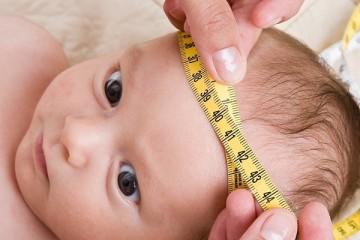 Размер головы новорожденного должен соответствовать определенным параметрам