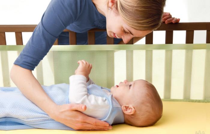 Для полноценного сна важно правильно подготовить спальное место для ребенка