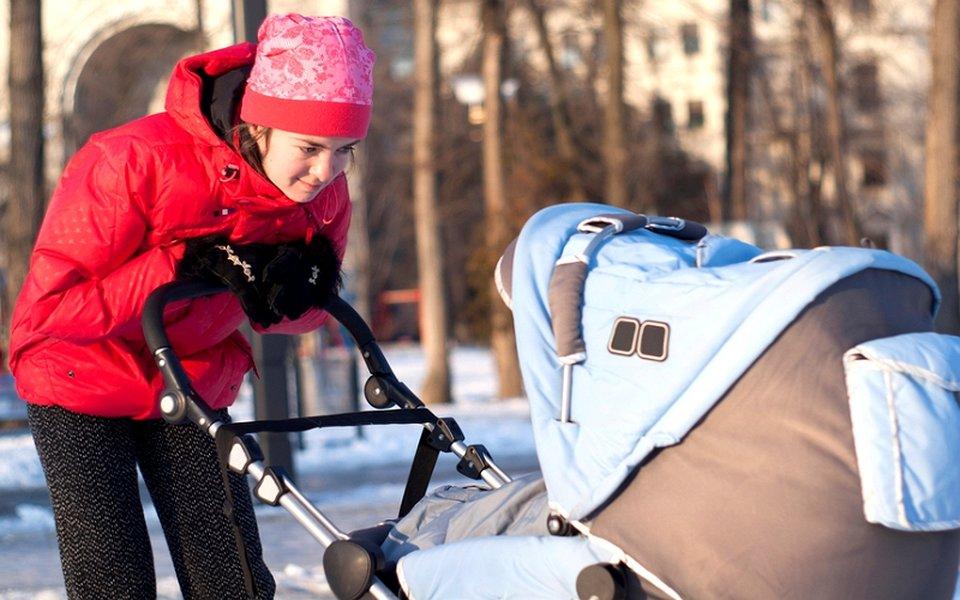 Правильно организованная прогулка зимой принесет только пользу новорожденному