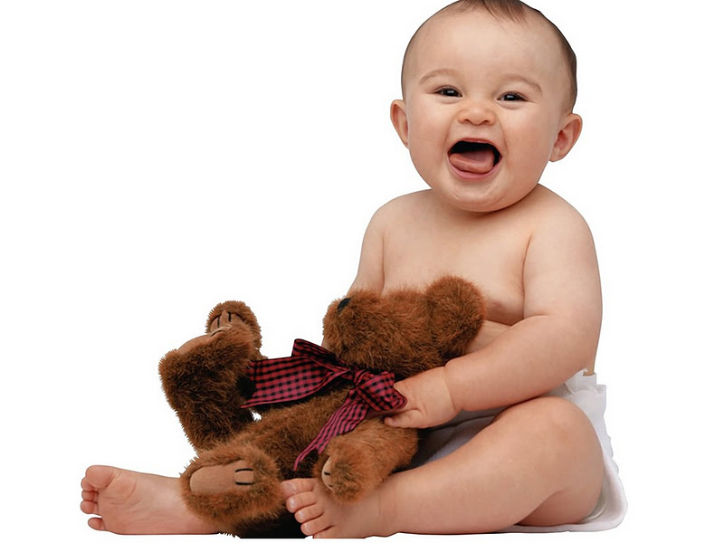 Развеселить ребенка можно с помощью игрушки