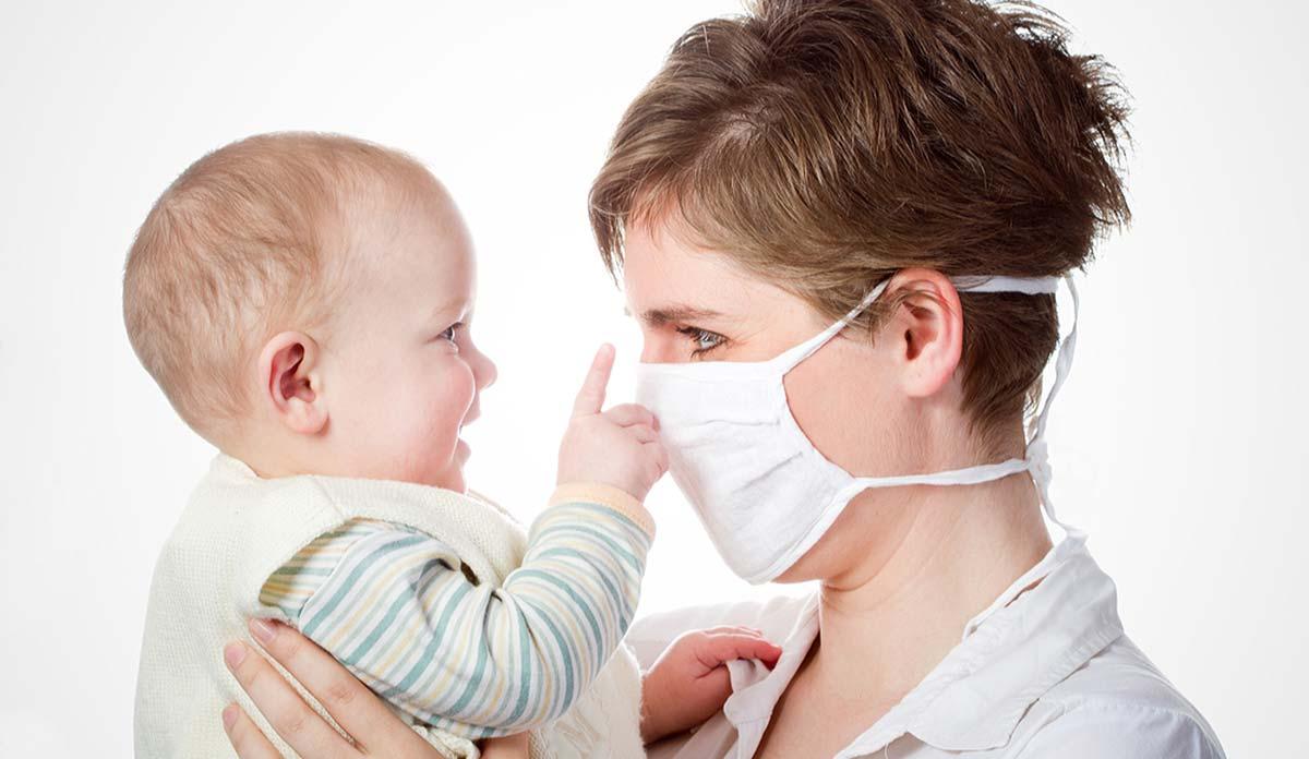 Мама в маске