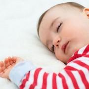 К 7 месяцам количество часов сна становится меньше