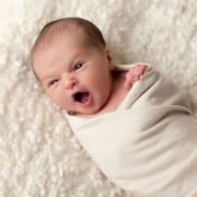 Ребенок в 1 месяц активно развивается